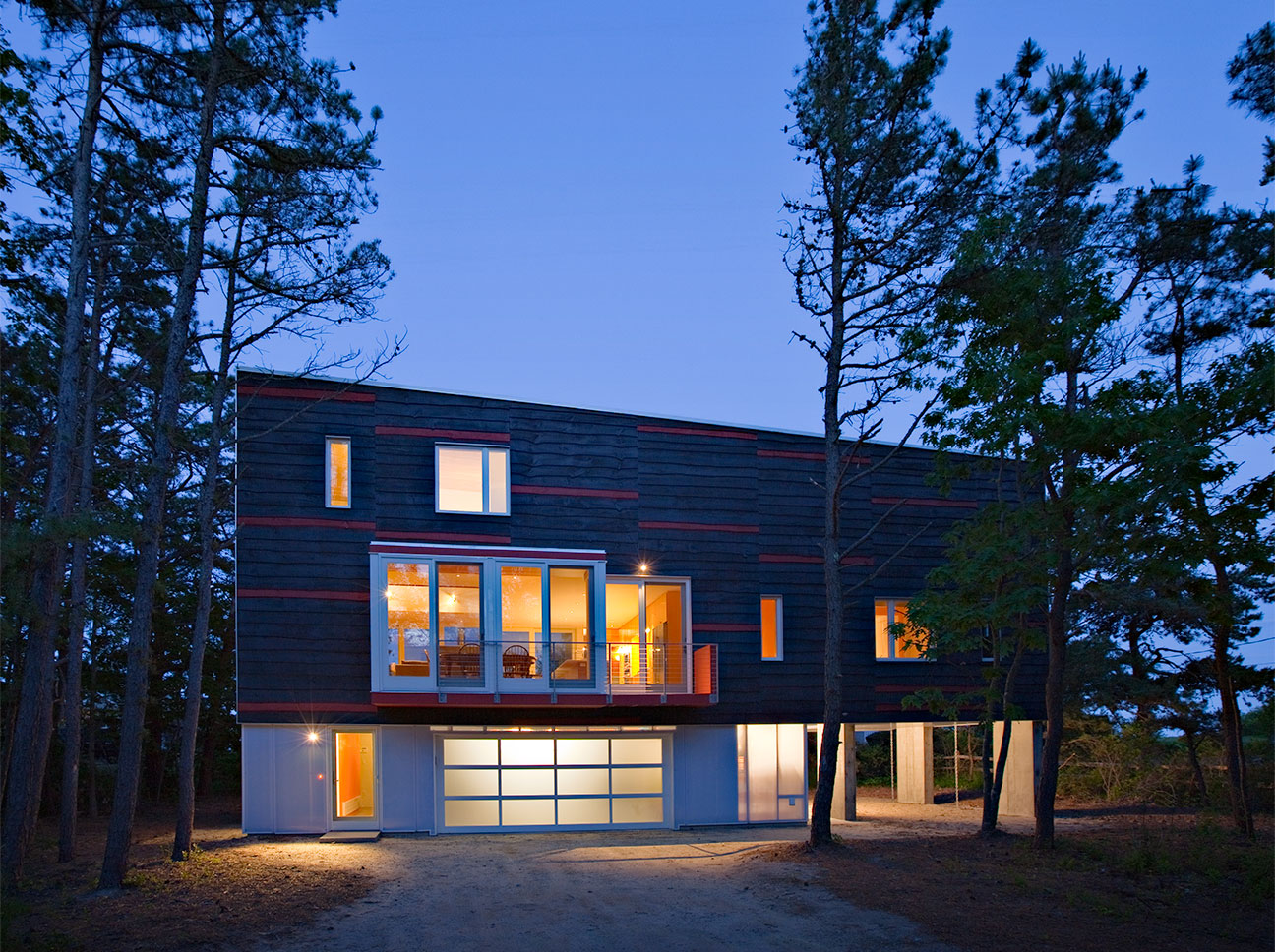 Mesmerizing 20 modern custom homes design ideas of march for Building a house in maine