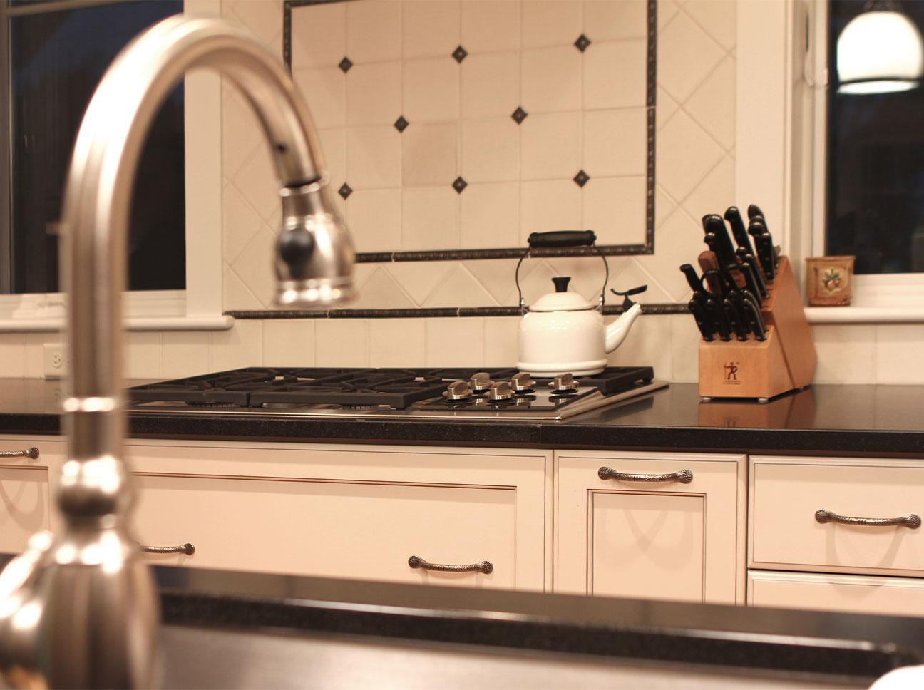 Douston-Kitchens-Range