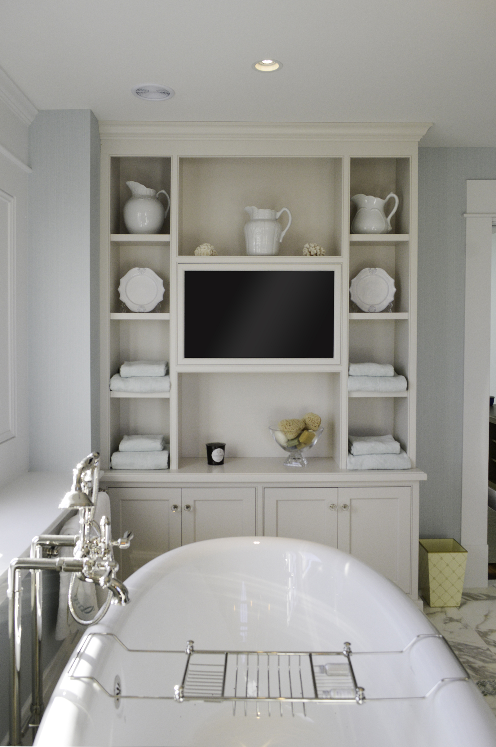 Master bathroom at Pine Point, Custom Home Construction in Southern Maine